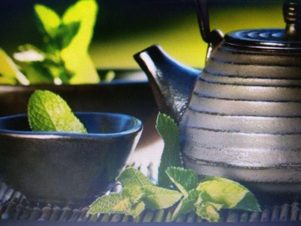Terapi Air untuk awet muda alami
